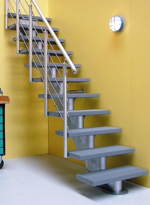Ökostep 160 mit AluTop-Geländer einseitig, Stufenfarbe grau
