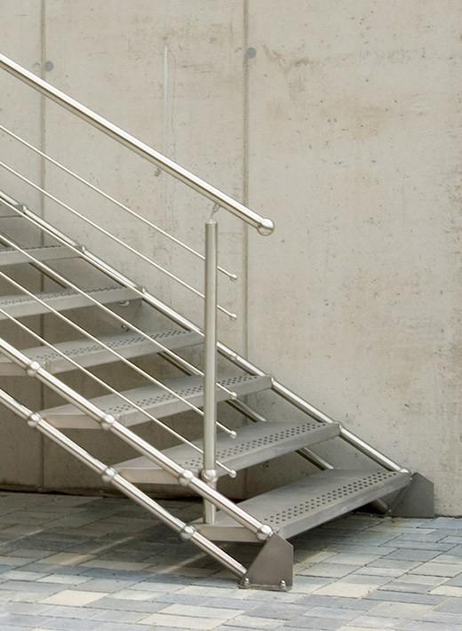 edelstahltreppe quattrostep gs treppen shop. Black Bedroom Furniture Sets. Home Design Ideas